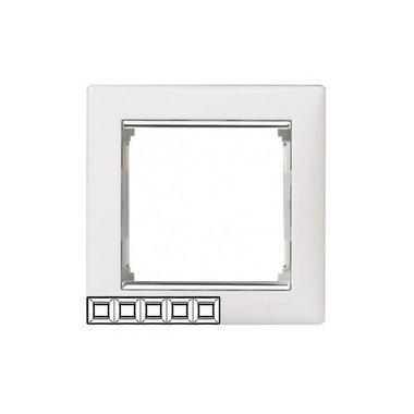 Legrand 770495 Рамка Valena 5 постов горизонтальный монтаж белый/серебряный штрих