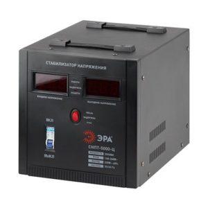 СНПТ-5000-Ц ЭРА Стабилизатор напряжения переносной, ц.д., 140-260В/220/В, 5000ВА (1)